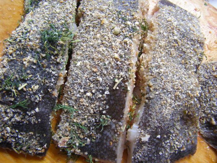 Камбала жареная в мультиварке с овощами и грибами