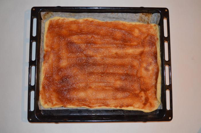 Простой рождественский пирог с яблочным повидлом