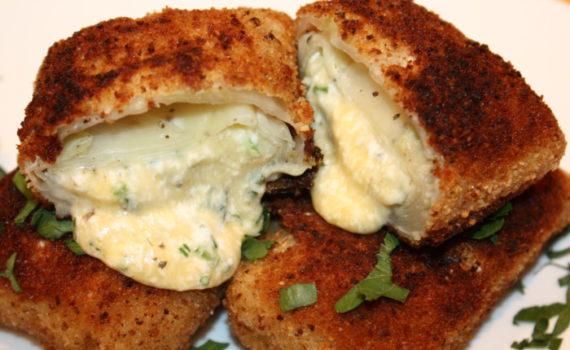 Шницель из капусты с сыром и начинкой из овощей