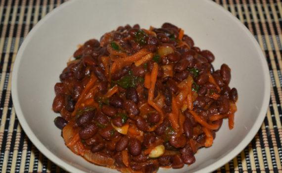 Классический рецепт лобио из красной фасоли с морковью и луком