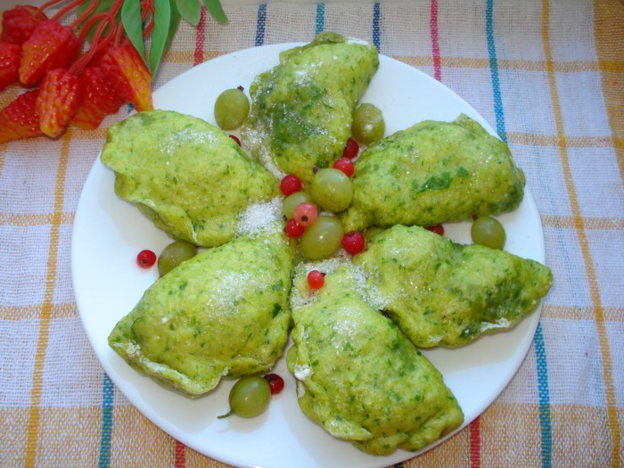 Пышные вареники с ягодами