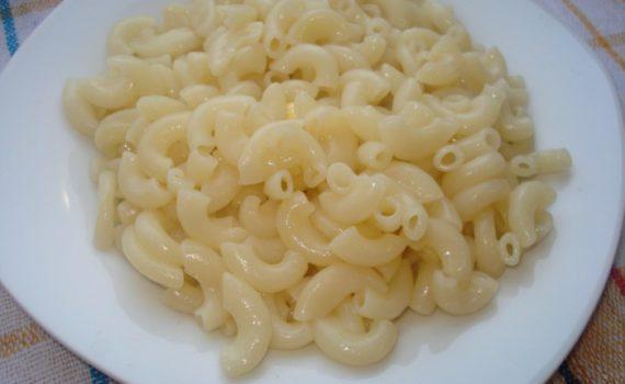 Как варить макароны в кастрюле, чтобы они не слипались