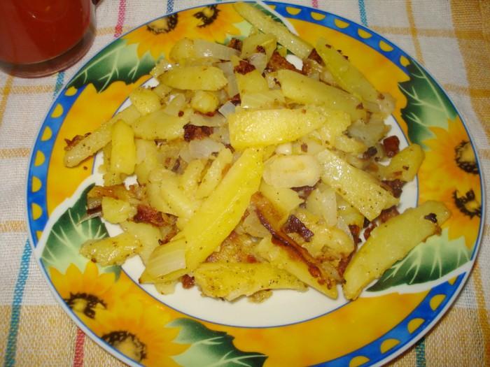 как жарить картошку с капустой на сковороде