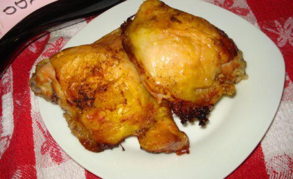 Запеченные куриные бедра в духовке в фольге