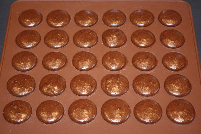 Шоколадное печенье макарон