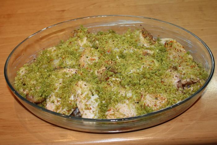 Курица в зеленой хрустящей панировке в духовке