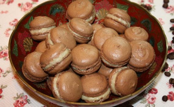 Кокосовые домашние макаронс на французской меренге
