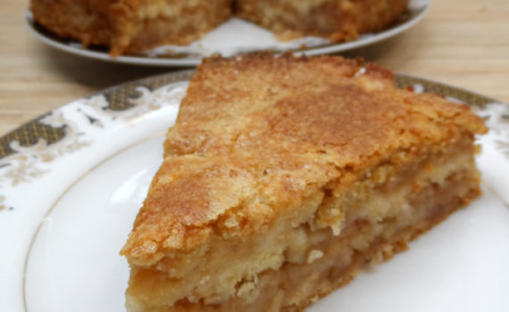 Самый простой яблочный пирог из сухого теста