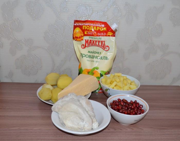 Слоеный салат Гранатовый браслет с курицей