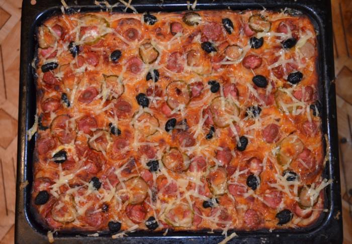 Открытый пицца-пирог