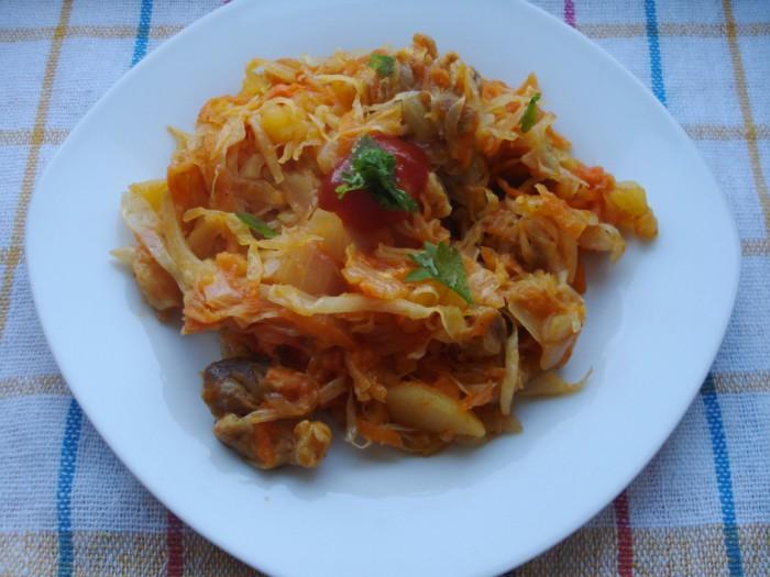 Овощное рагу с мясом картошкой и капустой