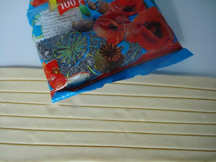 Вкусные спиральки с маком из слоеного теста
