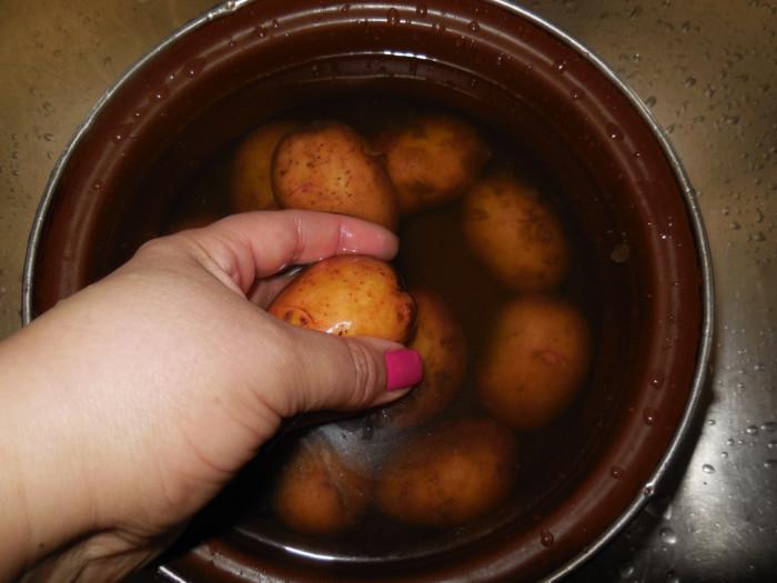 запечь картошку в духовке в мундире рецепт