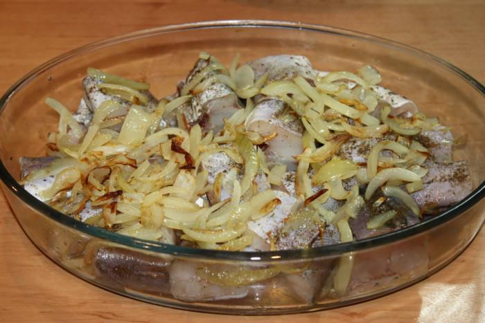 Запеченная рыба в рисовом кляре в духовке