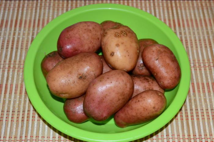 Вареная картошка в мундире