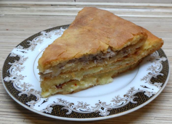 Осетинские пироги с сыром, мясом и картошкой