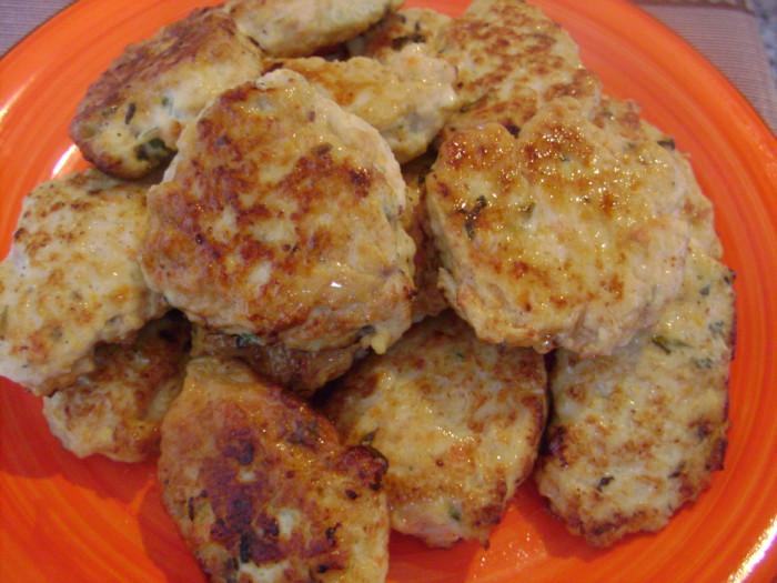 Как сделать сочные куриные котлеты на сковороде 38