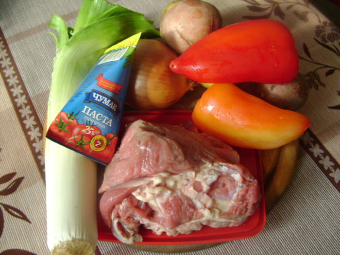 Густой суп-гуляш по-венгерски