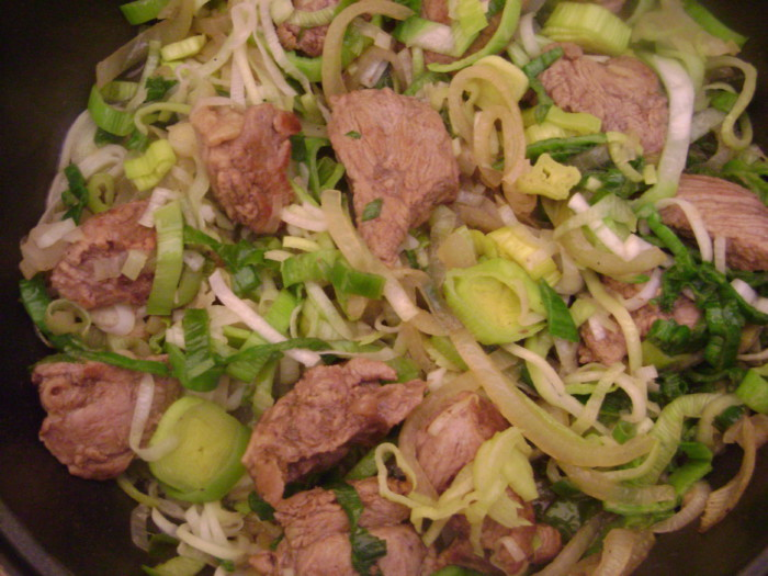 Венгерский суп-гуляш из говядины с овощами