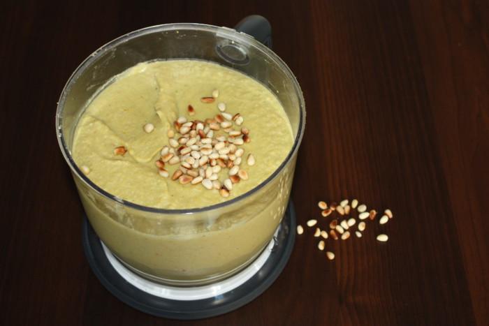 Хумус с кинзой и острым перцем - рецепт пошаговый с фото