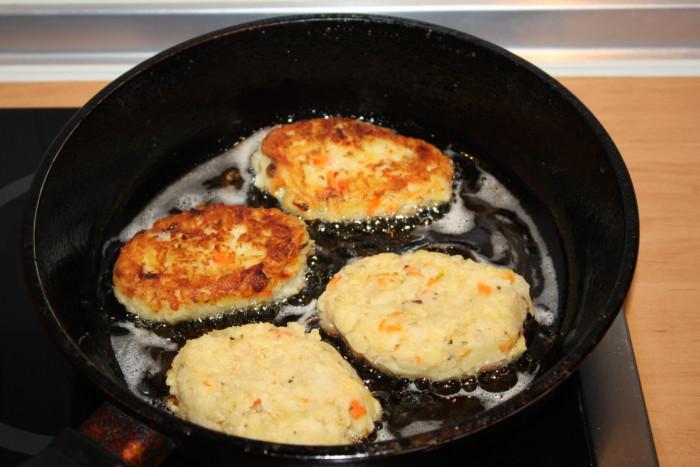 картофельные котлеты с сыром и луком рецепт