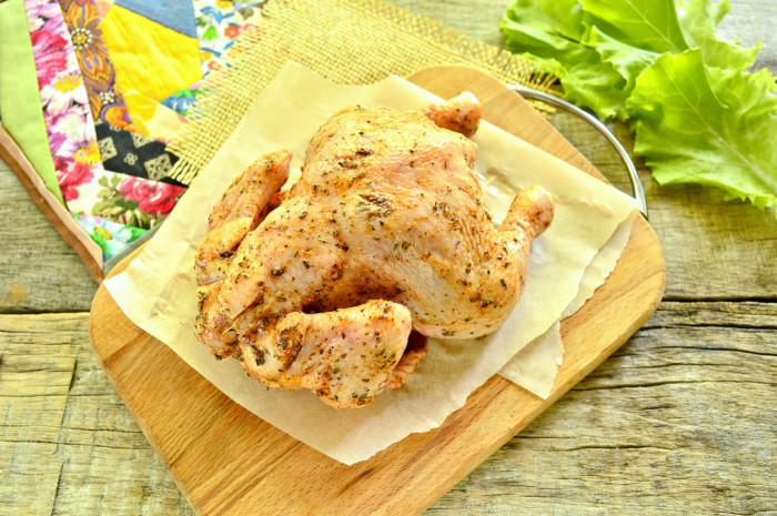 Цыпленок запеченный в рукаве целиком