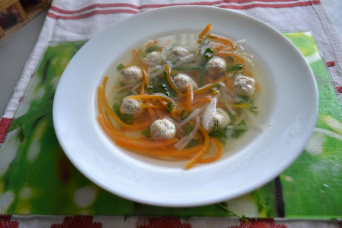 Корейский суп с лапшой