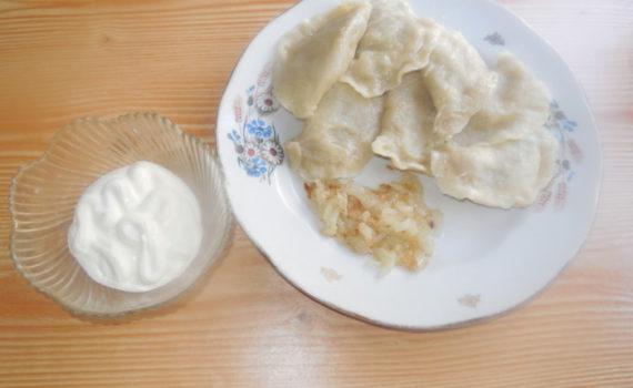 Вареники с сырой картошкой и луком
