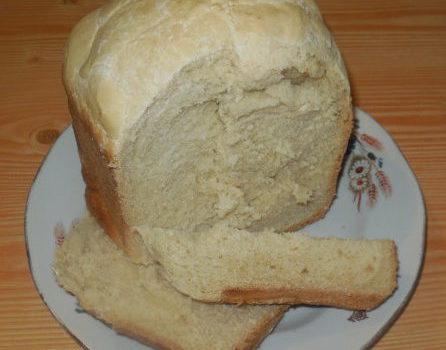 Домашний хлеб в хлебопечке на томатном маринаде