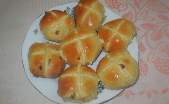 пасхСамые вкусные пасхальные булочки с изюмомальные булочки с изюмом