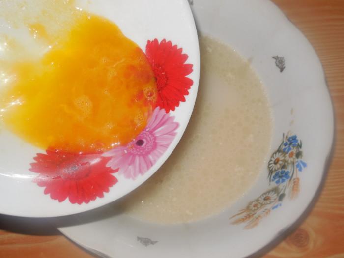 Вкусный «Украинский» домашний хлеб со свиными шкварками и смальцем