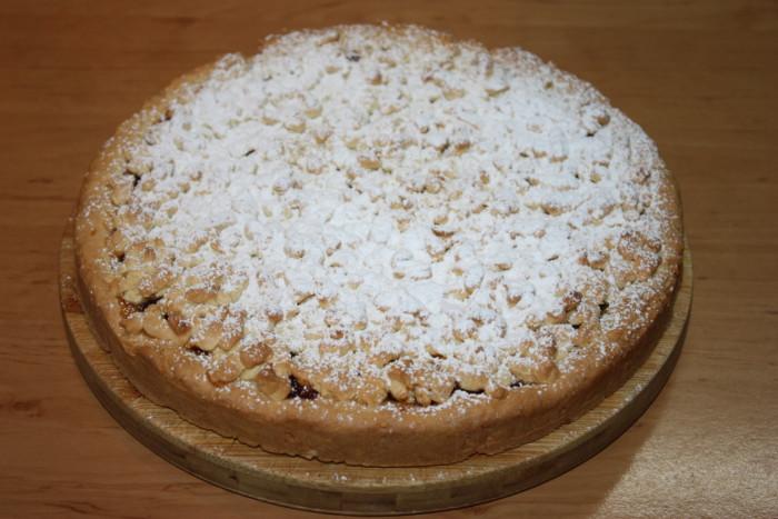 Тертый песочный пирог с яблочно-апельсиновым джемом
