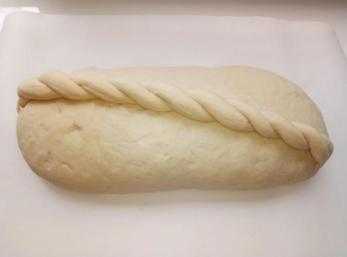 Домашний пшеничный хлеб в духовке