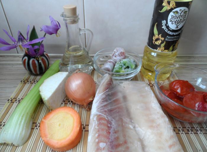 Рыба тушеная с овощами и рисовым гарниром