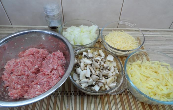 Слоеные котлеты в духовке запеченные с грибами и подливкой