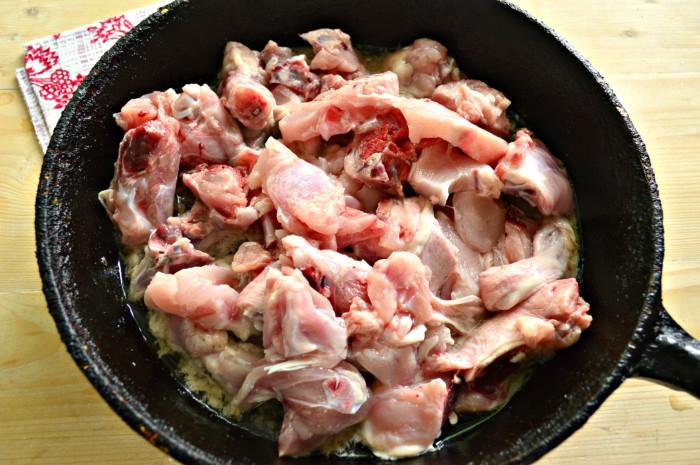 Вкусная подлива из курицы к макаронам или гречке