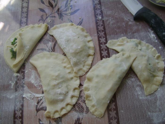 Чебуреки с сыром и зеленью