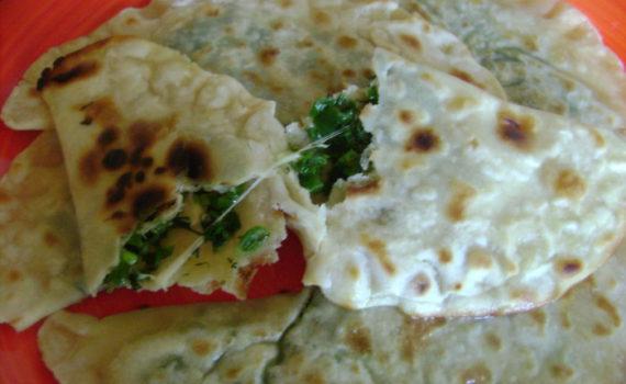 Домашние чебуреки с сыром и зеленью без масла жареные на сковороде