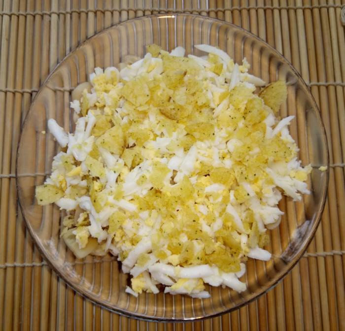 Салат с ветчиной чипсами