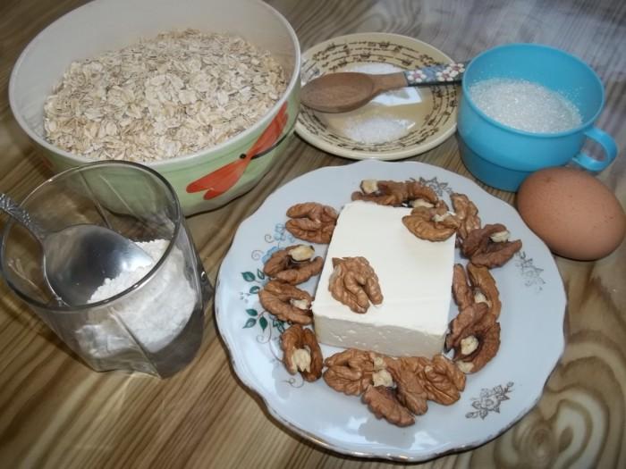 Овсяное печенье из овсяных хлопьев с орехами