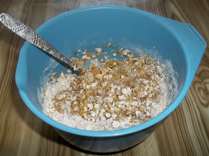 Домашнее oвсяное печенье с орехами