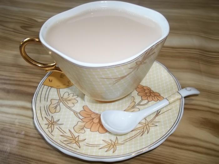 Индийский чай-масала с молоком и специями