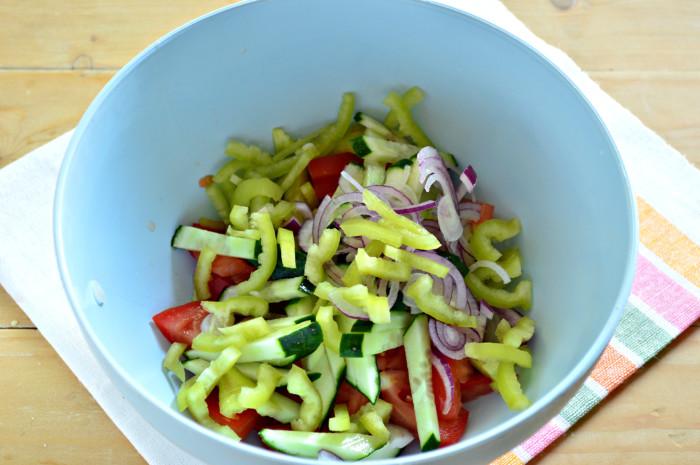 Cалат с пекинской капустой с овощами