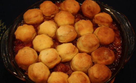 Вкусные пышки в духовке с мясом и подливой