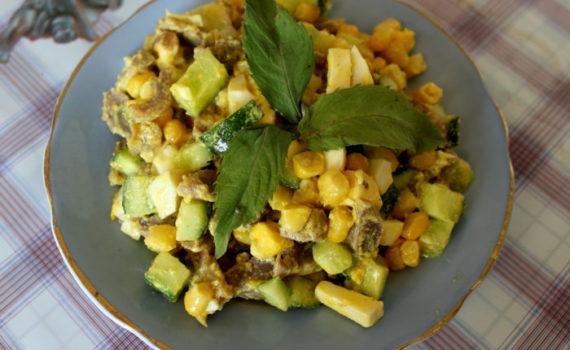 Салат из пупков с колбасным сыром Гармония