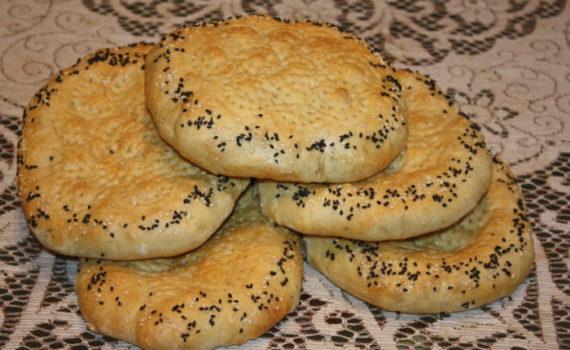 Узбекские лепешки в духовке или патыр узбекский с кунжутом