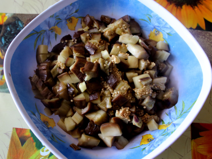 Вкусные баклажаны как грибы - горячий салат из баклажанов с майонезом