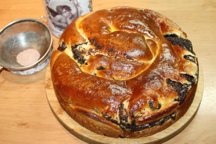 Маковый пирог-улитка из дрожжевого теста