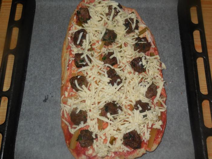 Быстрая пицца из лаваша в духовке