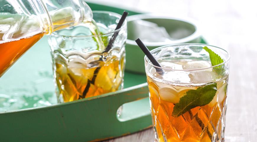 охлажденный черный или зеленый чай